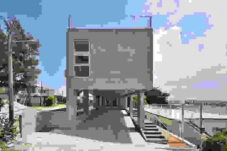 Moderne Häuser von プラソ建築設計事務所 Modern