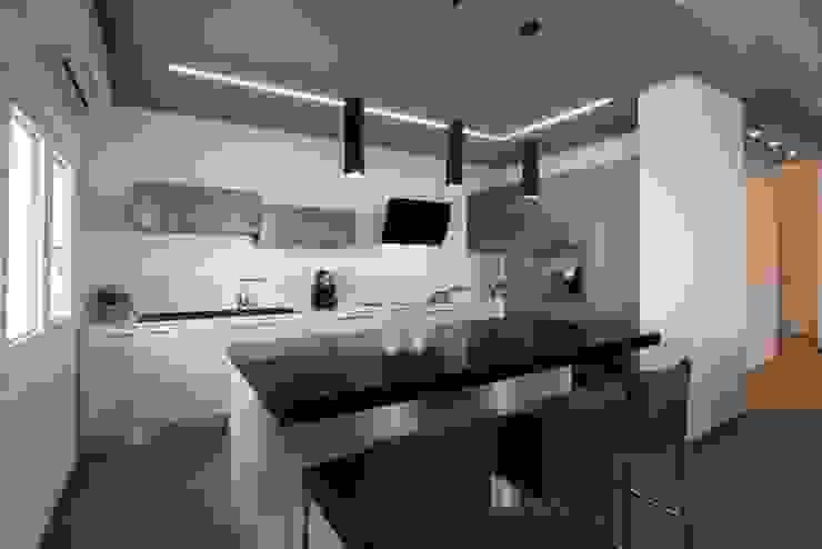 Cocinas equipadas de estilo  por Progettolegno srl