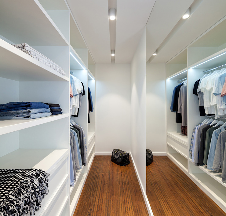 Modern dressing room by U-Style design studio Modern