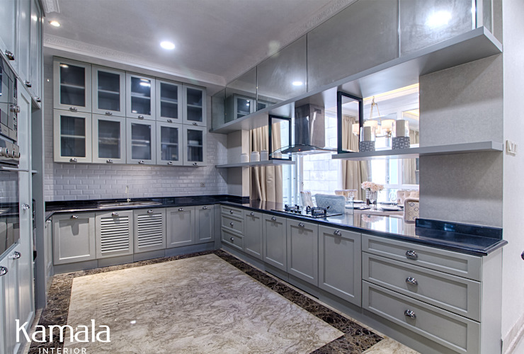 Private Residence @ Venice, PIK Dapur Modern Oleh Kamala Interior Modern