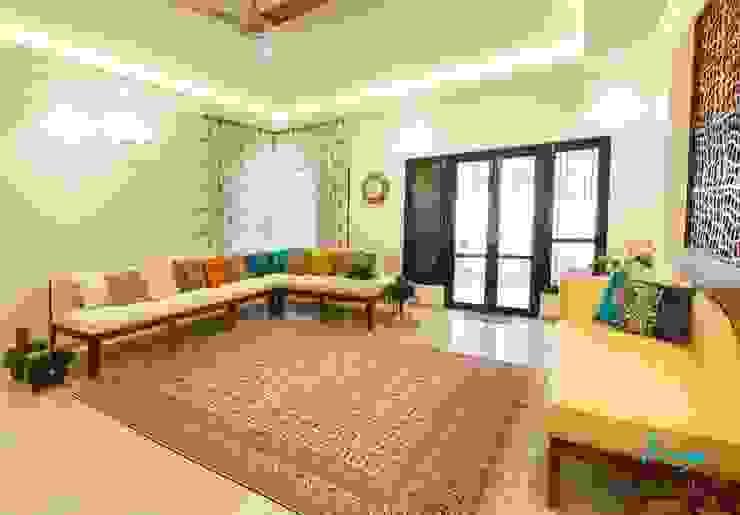 Ruang Keluarga Klasik Oleh KRIYA LIVING Klasik