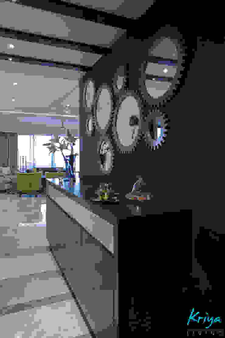 Modern Corridor, Hallway and Staircase by KRIYA LIVING Modern
