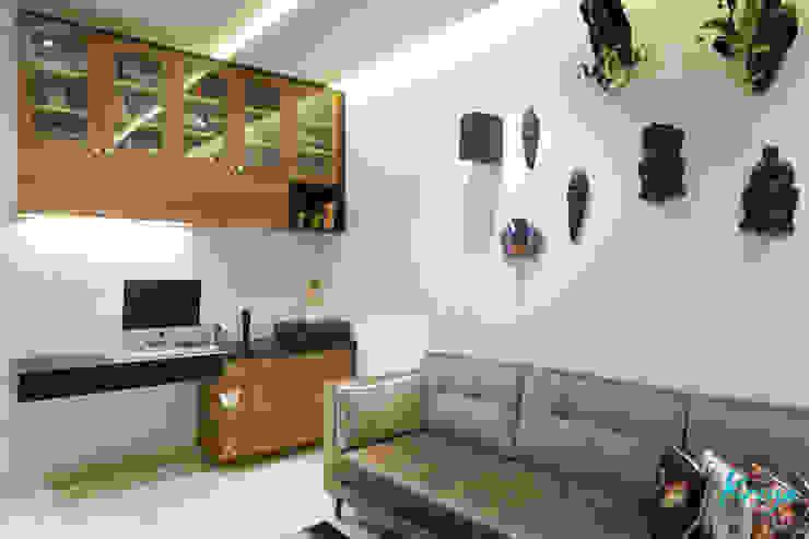 Nowoczesne domowe biuro i gabinet od KRIYA LIVING Nowoczesny