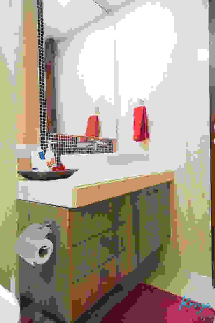 Nowoczesna łazienka od KRIYA LIVING Nowoczesny