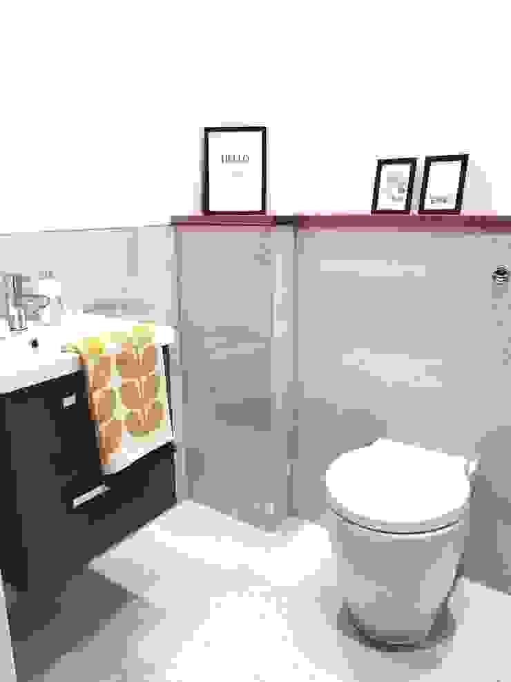 Modern Scandinavian Show Home Ванная комната в стиле модерн от THE FRESH INTERIOR COMPANY Модерн Керамика