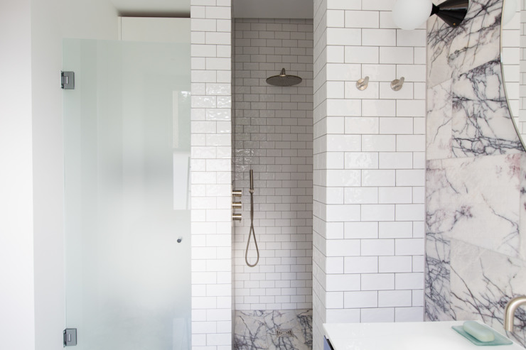 London townhouse - Nordic styling Minimalist style bathroom by My-Studio Ltd Minimalist Tiles