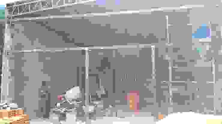 Materializando PRE_MARCOS estructurales para aberturas Oficinas y tiendas de estilo industrial de CONSTRU/ARQ: Construya Ud.una Arquitectura de manera PLANIFICADA, INTELIGENTE Y SEGURA Industrial