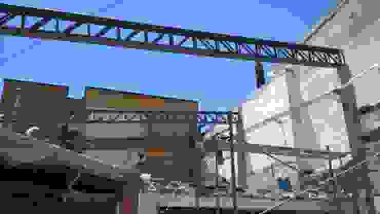 Inicio Construcción Cubierta Metálica Oficinas y tiendas de estilo industrial de CONSTRU/ARQ: Construya Ud.una Arquitectura de manera PLANIFICADA, INTELIGENTE Y SEGURA Industrial