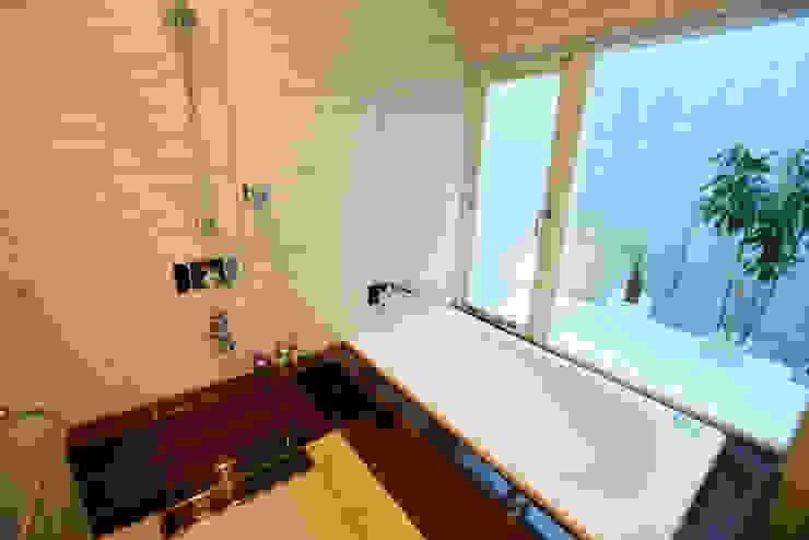 浴室 Style Create モダンスタイルの お風呂 タイル