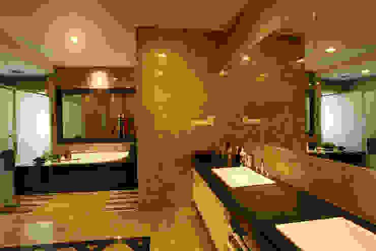Baños de estilo  de Hatch Interior Studio Sdn Bhd,