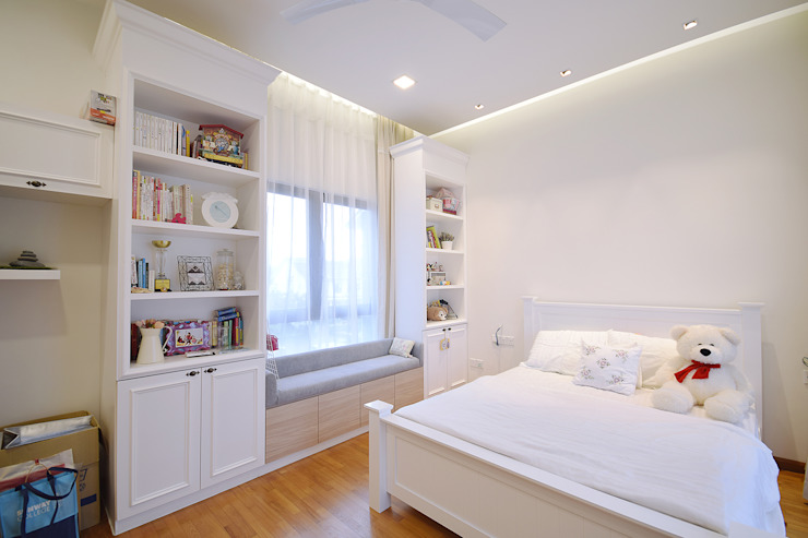 Modern style bedroom by Hatch Interior Studio Sdn Bhd Modern