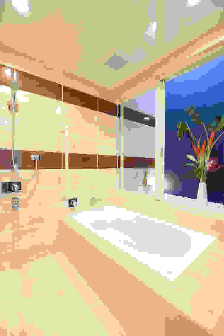 浴室 Style Create モダンスタイルの お風呂 タイル 青色