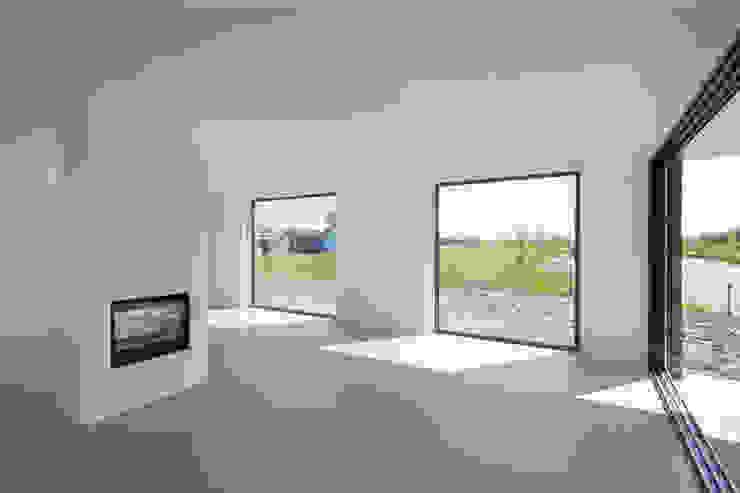drie generaties woning | Nieuwkoop Moderne woonkamers van JADE architecten Modern