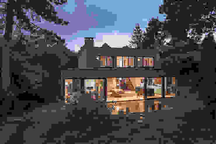 Parkvilla | Voorschoten van JADE architecten Modern