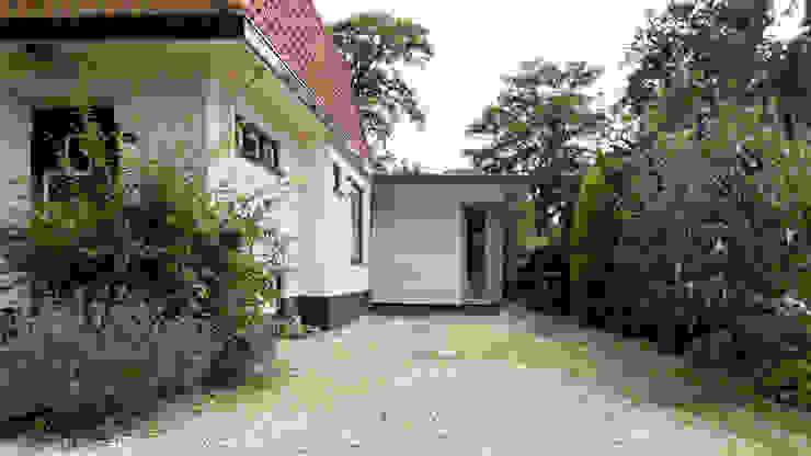 entreezijde Moderne huizen van STAAG architecten Modern Glas