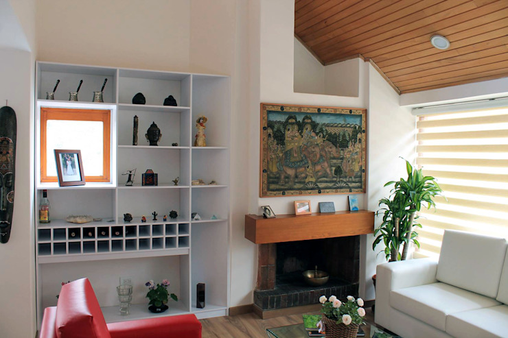 Chimenea Salas de estilo clásico de ATELIER HABITAR Clásico