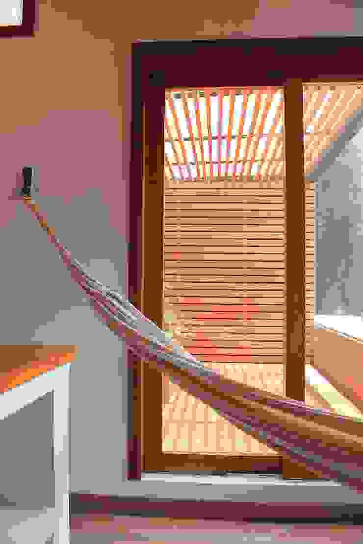 Estar a terraza Balcones y terrazas de estilo moderno de ATELIER HABITAR Moderno