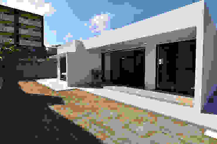 テラス Style Create モダンな庭 鉄筋コンクリート 白色