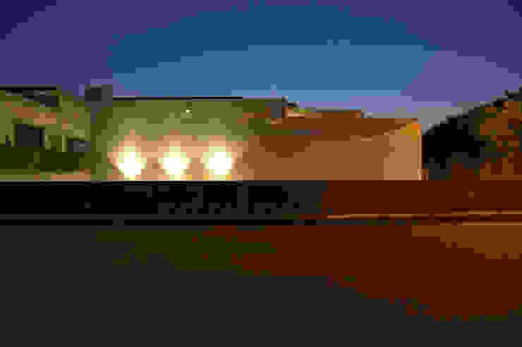 外壁 Style Create モダンな 壁&床 鉄筋コンクリート 白色
