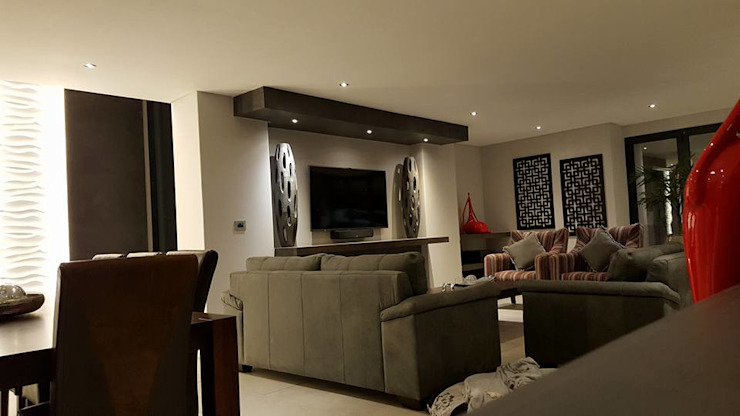Waterfall Estates, Midrand, Johannesburg Modern Living Room by The Guys - enhance your space, enhance your life! Modern