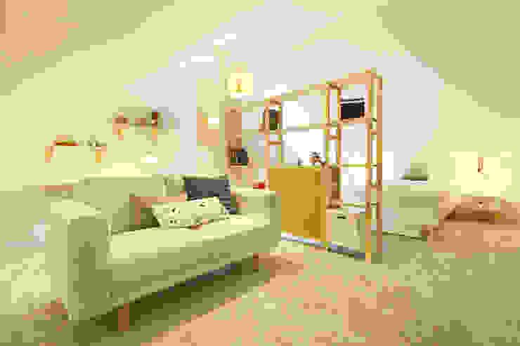 Dormitorios infantiles modernos de Homestories Moderno