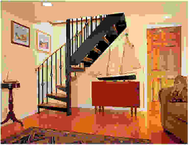 Escalera combinada modelo FLORENCIA de HELIKA Scale Moderno Madera Acabado en madera