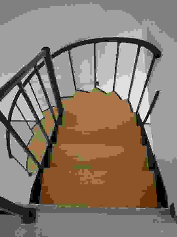 Escalera combinada modelo FLORENCIA HELIKA Scale Escaleras Hierro/Acero Multicolor