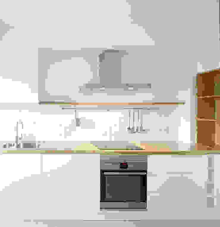 Scandinavian style kitchen by Homestories Scandinavian