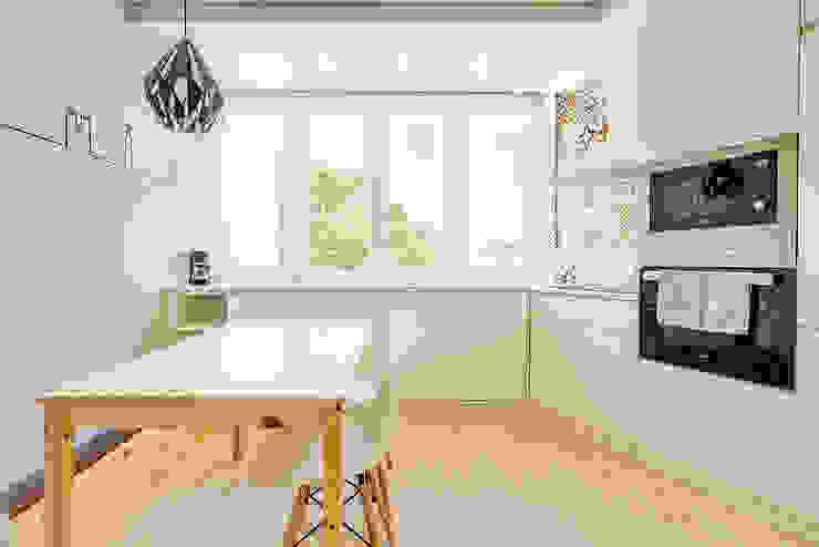Apartamento da Alegria Cozinhas escandinavas por Homestories Escandinavo