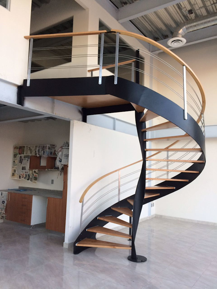 Escalera helicoidal modelo DUBAI de HELIKA Scale Moderno Madera Acabado en madera