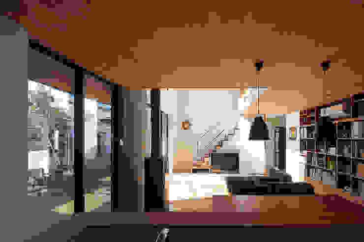 根來宏典建築研究所 ห้องนั่งเล่น ไม้ Wood effect