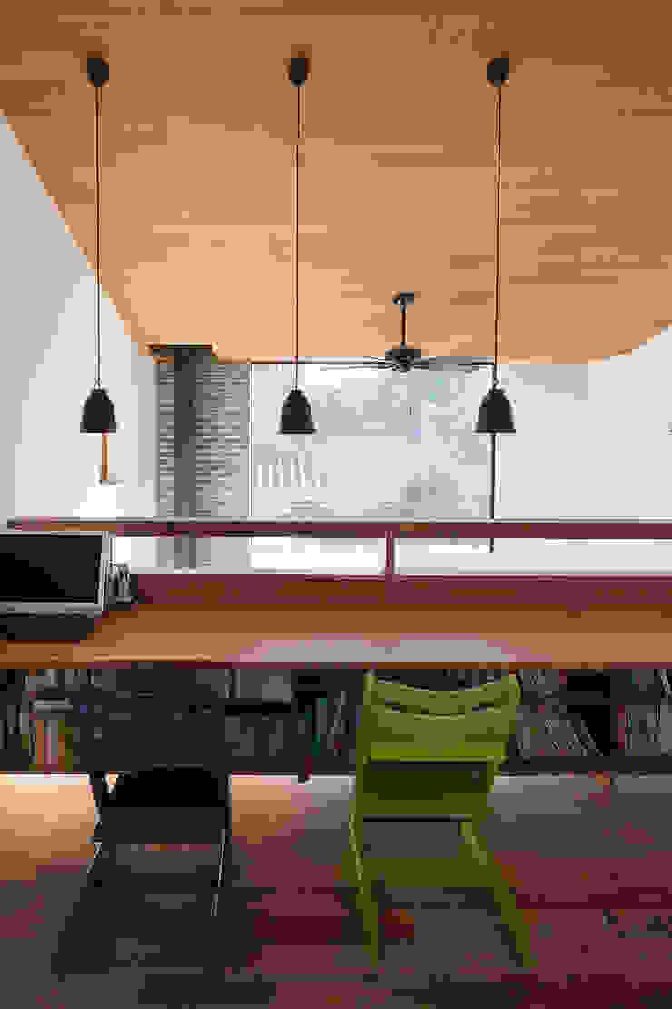 根來宏典建築研究所 ห้องทำงาน/อ่านหนังสือ ไม้ Wood effect