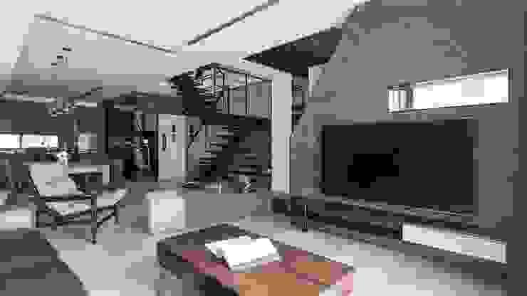 02 现代客厅設計點子、靈感 & 圖片 根據 沃思文化 / 林毅璋建築師事務所 + 乘四研究所 現代風