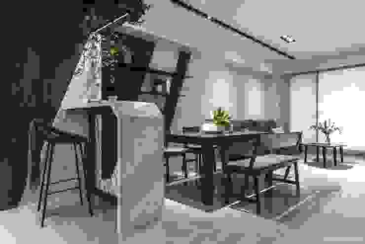 Livings de estilo  por 橡樹設計Oak Design