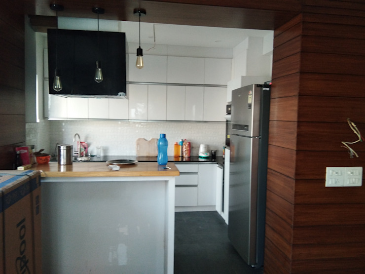 Kitchen by V-Serve Design & PMC Modern