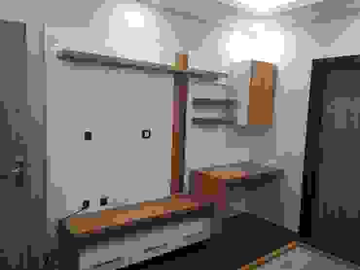 TV Unit of Daughter's Room Modern Bedroom by V-Serve Design & PMC Modern