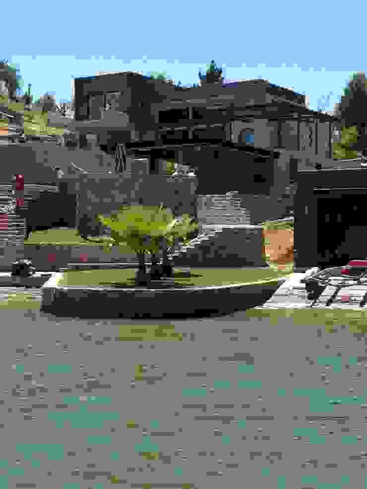 Casa EFZ 01 de Sotomayor & Asociados Moderno Concreto reforzado