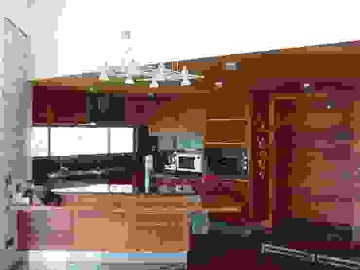 Casa FSA 03 Comedores de estilo moderno de Sotomayor & Asociados Moderno Madera Acabado en madera