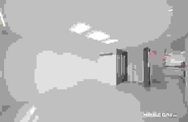 비포&애프터, 33평 아파트 그레이 모던 인테리어 by 홈데이원