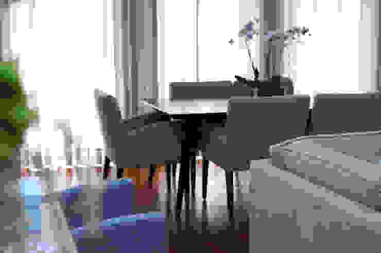 Zona de jantar Salas de jantar mediterrâneas por Perfect Home Interiors Mediterrâneo Madeira Efeito de madeira
