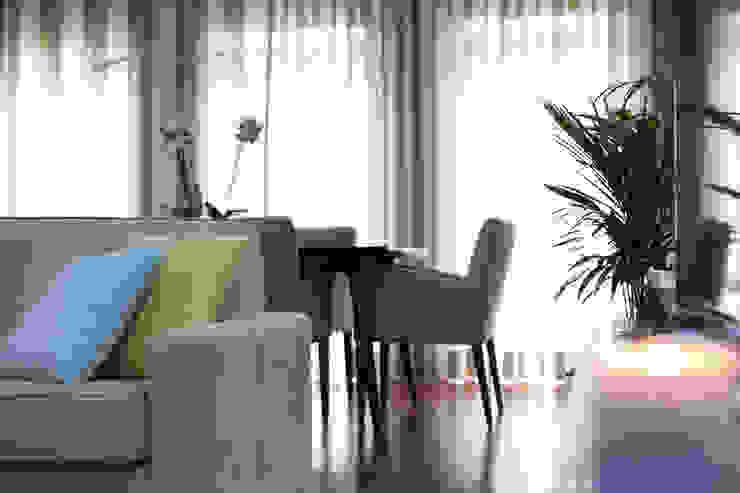 Zona de jantar Salas de jantar ecléticas por Perfect Home Interiors Eclético Madeira Efeito de madeira