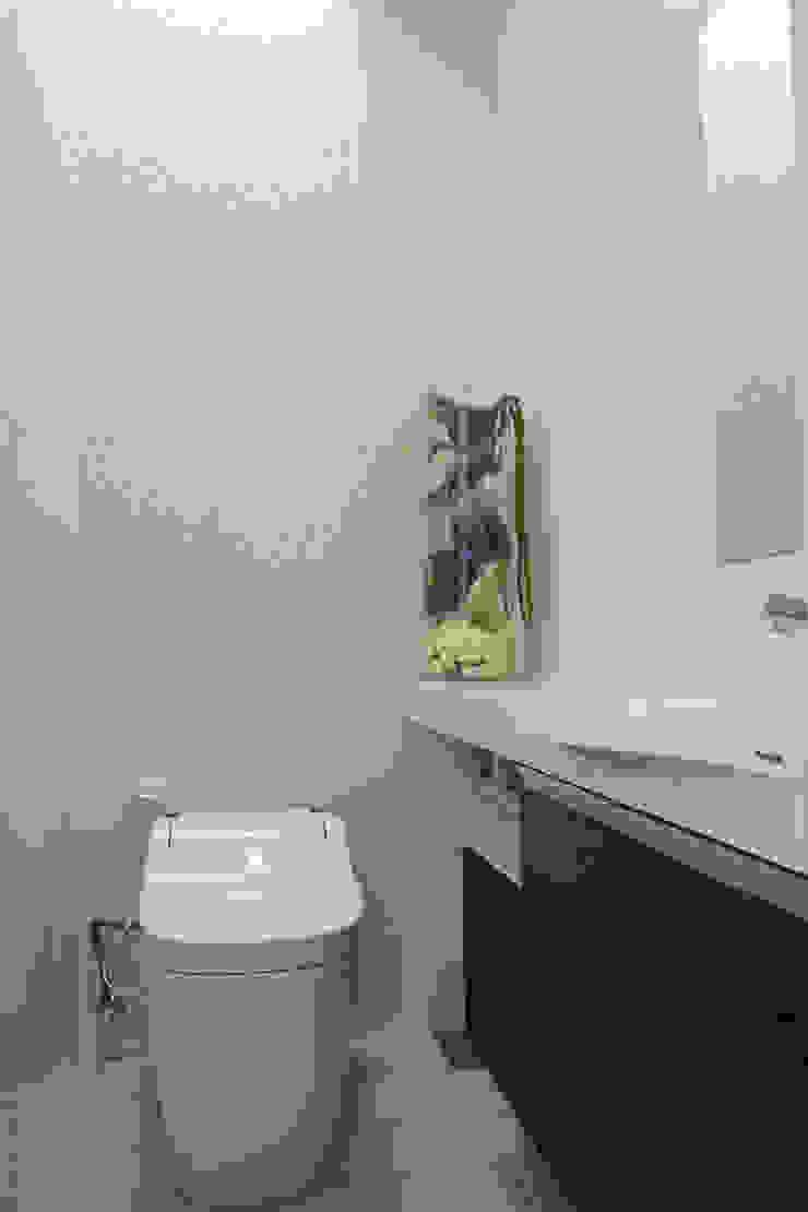 トイレ: Style Createが手掛けた折衷的なです。,オリジナル
