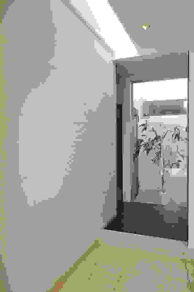 玄関、廊下 オリジナルスタイルの 玄関&廊下&階段 の Style Create オリジナル
