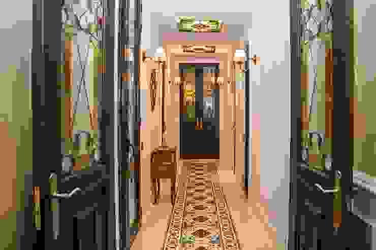 Goian Classic corridor, hallway & stairs White