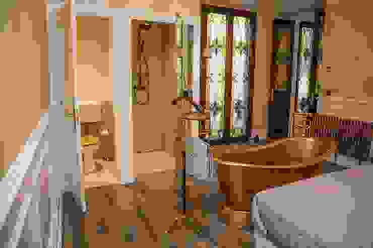Goian Classic style bedroom