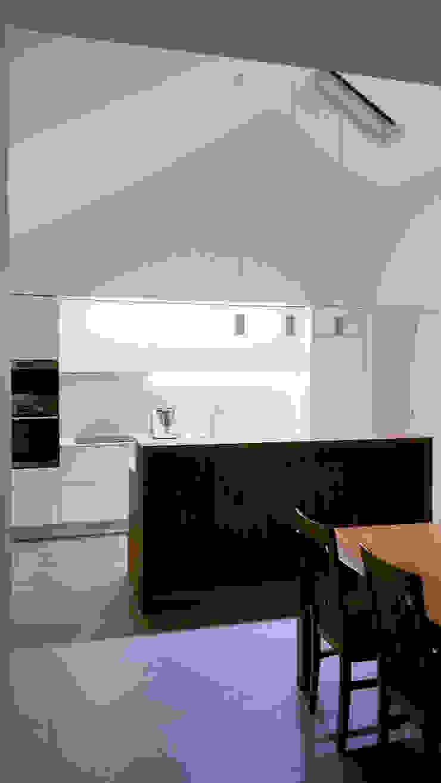 aponto Built-in kitchens Wood White