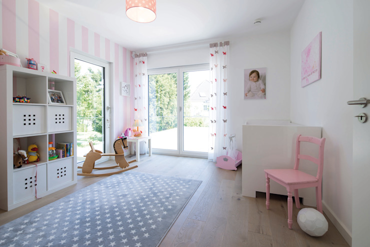 Girls Bedroom by FingerHaus GmbH - Bauunternehmen in Frankenberg (Eder), Modern
