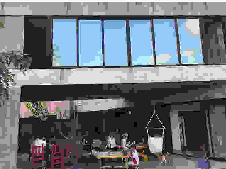 Giardino minimalista di Horizontal Arquitectos Minimalista