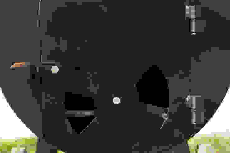 Smoke King Ahumadoras: minimalist tarz , Minimalist Demir/Çelik