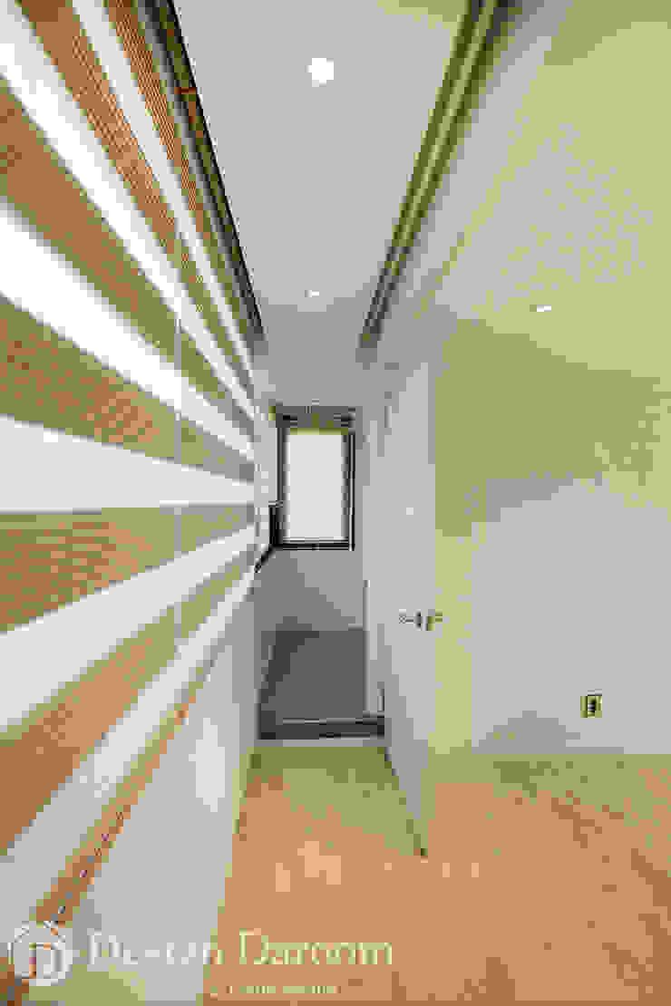 광장동 워커힐 아파트 56py 다용도실 모던스타일 발코니, 베란다 & 테라스 by Design Daroom 디자인다룸 모던